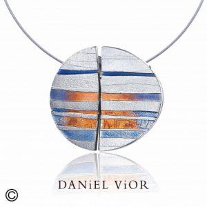 Daniel Vior hangers